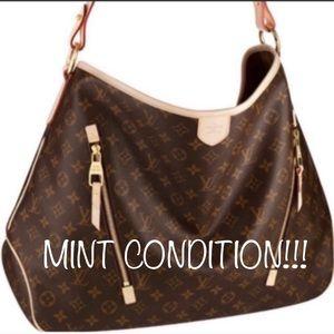 ❇️❤️AUTHENTIC❤️❇️ large Shoulder Bag